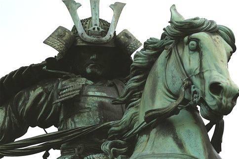 Статуя Кусуноки Масасигэ