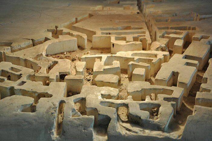 История открытия и уничтожения древнего подземного поселения в Бельгии.